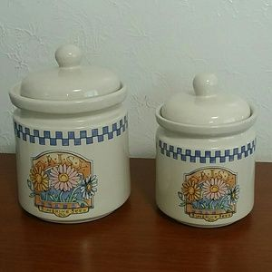 SET OF 2 VINTAGE  GIBSON CHINA DAISY COOKIE JAR